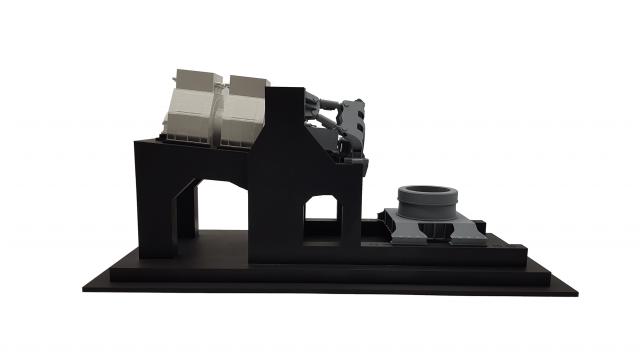 Messebaumodell eines Prüfstands in schwarz mit vielen Details