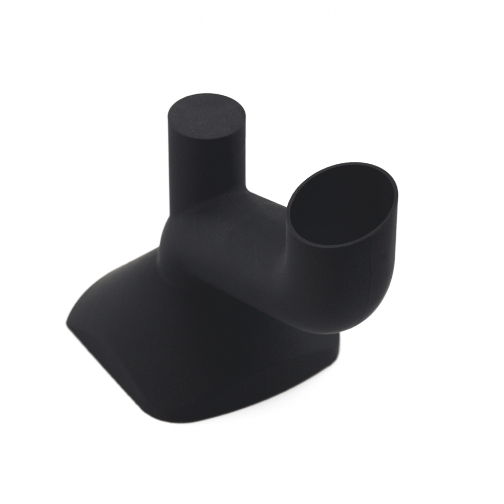 3D gedruckter Einfüllstutzen in schwarzem Kunststoff
